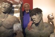 sculpteur-senegalais-Ousmane-Sow-parmi-oeuvres-1999dune-exposition-Lyon_0_729_498